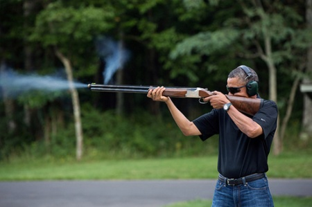 obama-shooting-rifle-official